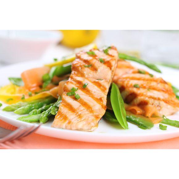 salmon-with-spring-veg-29995154-900x900
