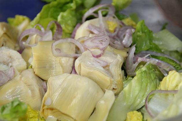 coxas-de-frango-com-corações-de-alcachofra-e-queijo-de-feta-CORAÇÕES-DE-ALCACHOFRA