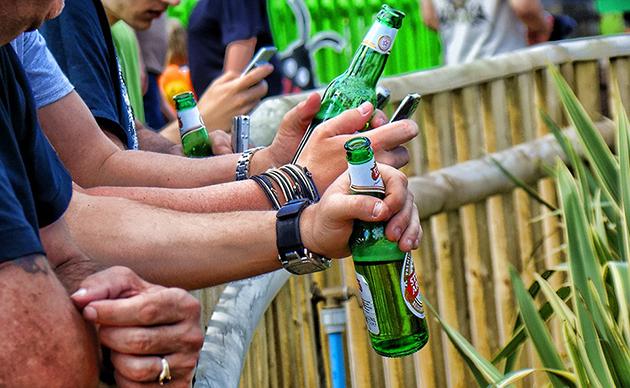testosterona-a-sua-está-baixa-o-que-fazer-cerveja-01