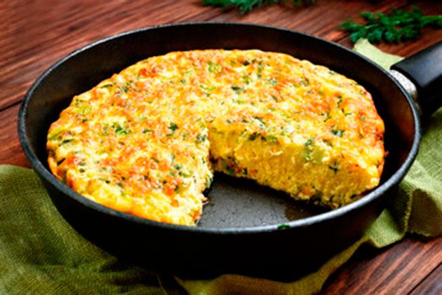 Os 12 principais benefícios da aveia-Omelete-com-farinha-de-aveia-e-legumes